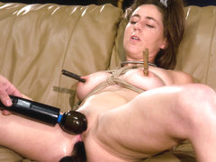 Minx Grrl in Amateur Casting Couch: Fuck My Ass Live Minx Grrl Says - HogTied