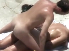 Voyeur catches beach sex