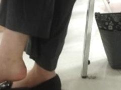 shoe dangling play