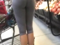 Nice ass woman in tight short pants