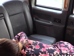 Babe with cold hands give handjob in cab