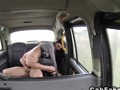Hottie deep throating and rimming in cab