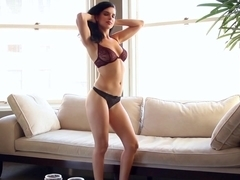 Mercedes Raquel - Portland Housewife