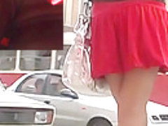 Spectacular upskirt nylons