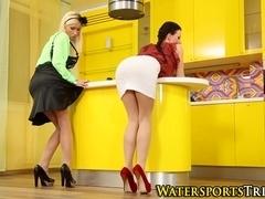 Glamor lesbos piss drench