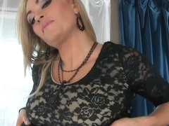 Sexy MILF Claudia Valentine giving expert blow job