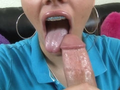 Legal Age Teenager with braces gives great oral stimulation and cook jerking