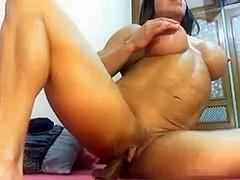 fbb on webcam using sextoy's