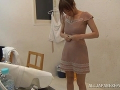 Suzu Tsubaki hot milf in her bikini demonstrates her talents