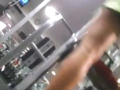 Guy at gym secretly films milf exercising
