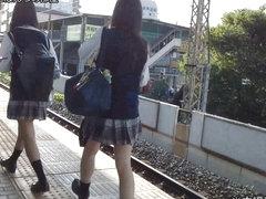 levantado faldas de schoolgirl HD