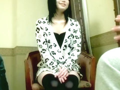 Titless Jap teen gets a big load in Japanese sex video