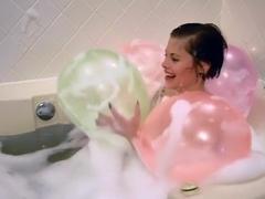 Bath with balloon, pop!