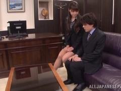 Office girl Maki Hokujo makes facesitting and rides knob