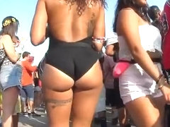 Tattooed chick with nice ass